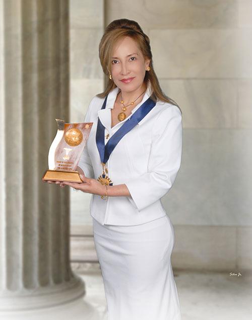 Nancy Ballesteros Dermatologa Quito Premio